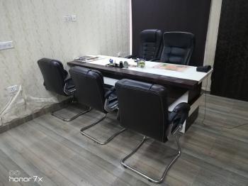 Clint Meeting Room