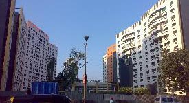 Property in Teen Hath Naka