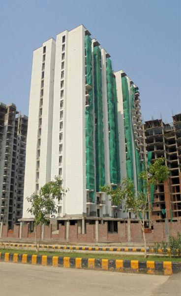 Grand Wellington, Noida - Residential Apartments
