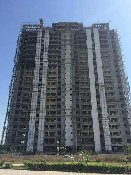 2 BHK Flats & Apartments for Sale in Mohali Chandigarh, Chandigarh - 1025 Sq. Yards