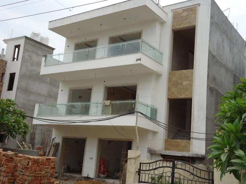 4 BHK Builder Floor for Sale in Indirapuram, Ghaziabad - 260 Sq. Meter
