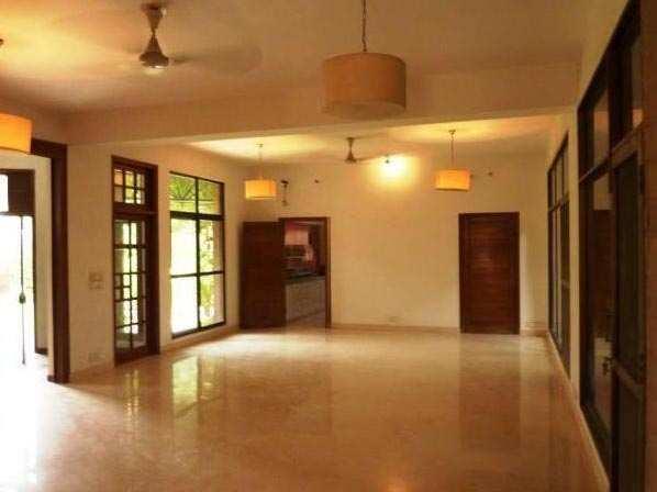 5 BHK Bungalows / Villas for Sale in Friends Colony, Delhi - 700 Sq. Yards