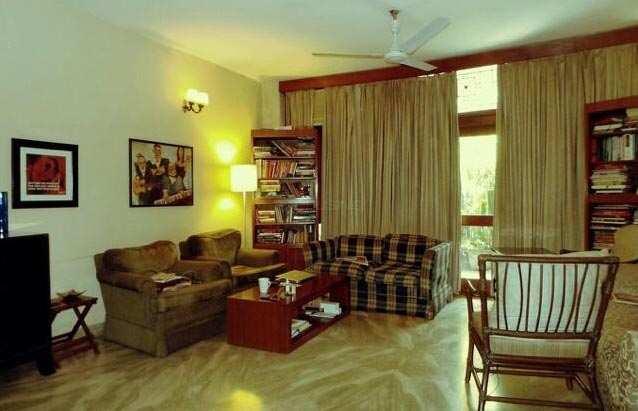 2 BHK Builder Floor for Rent in C R Park, Delhi - 125 Sq. Yards