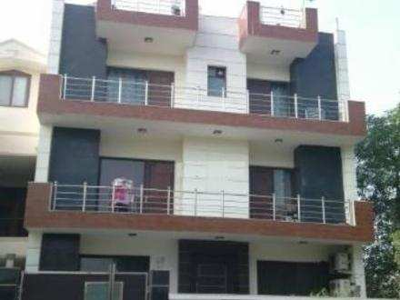 3 BHK Builder Floor for Sale in Sector 51, Gurgaon - 215 Sq. Yards