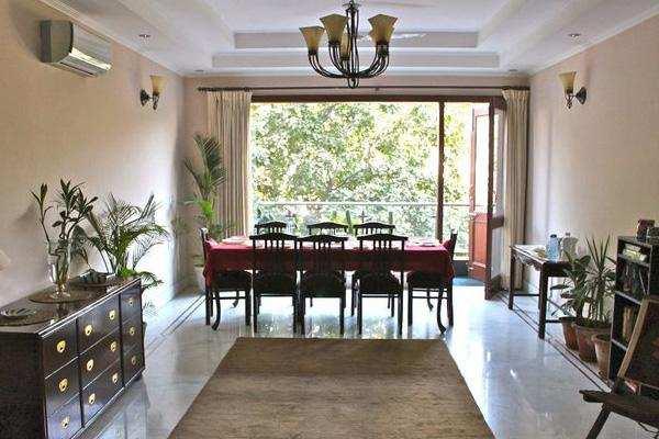 3 BHK Builder Floor for Rent in Vikas Puri, West Delhi - 125 Sq. Yards