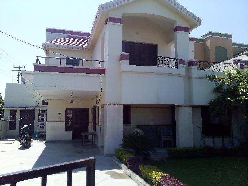 5 BHK Bungalows / Villas for Sale in Rudrapur Udham, Udham Singh Nagar - 415 Sq. Yards