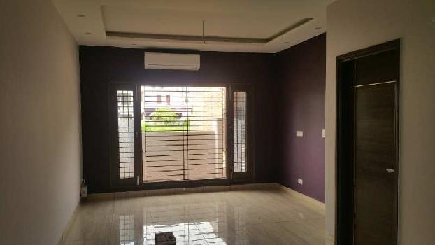 4 BHK 2200 Sq.ft. Builder Floor for Sale in Green Field, Faridabad