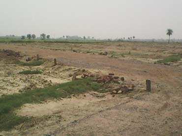 Residential Land / Plot for Sale in Palam Vihar, Gurgaon - 298 Sq. Yards