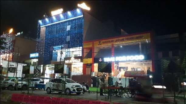 550 Sq.ft. Commercial Shop for Sale in Aliganj, Lucknow
