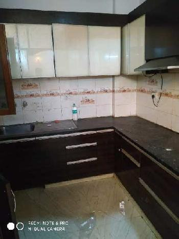 3 BHK 1800 Sq.ft. Residential Apartment for Rent in Shiva Enclave, Pitampura, Delhi