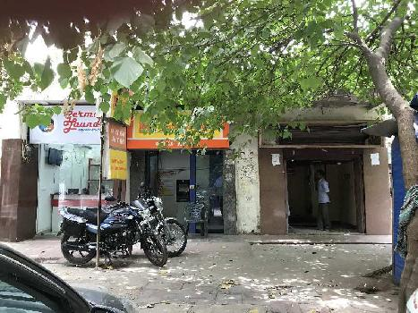 99 Sq.ft. Commercial Shop for Rent in Uday Park, South Extension, Delhi