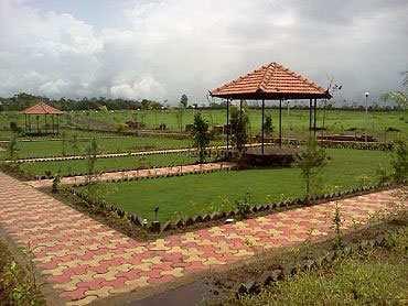 Residential Land / Plot for Sale in Palam Vihar, Gurgaon - 173 Sq. Yards
