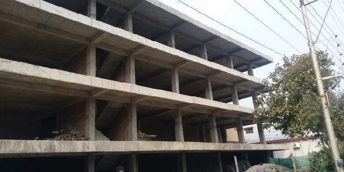 4500 Sq.ft. Commercial Shop for Rent in Main Road, Dehradun