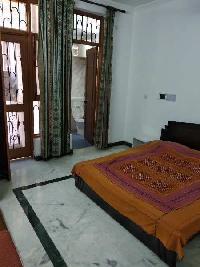 1 BHK House & Villa for Rent in Block B Sector 26, Noida