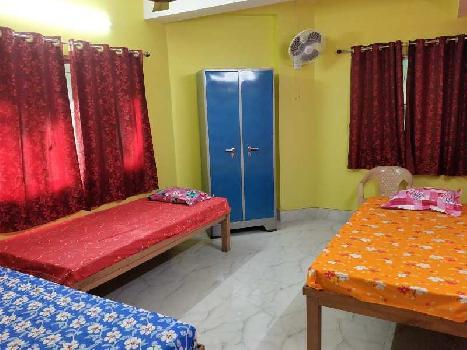 2 BHK 700 Sq.ft. Residential Apartment for PG in Tollygunge, Kolkata