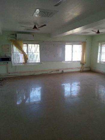 860 Sq.ft. Commercial Shop for Rent in Ponmeni, Madurai