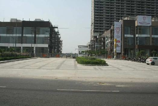 2316 Sq.ft. Showroom for Sale in Sector 32 Noida