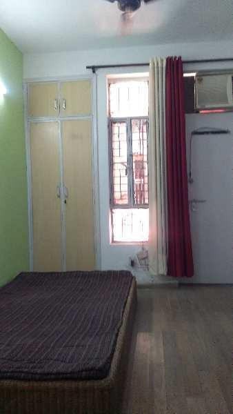 1 RK 450 Sq.ft. Residential Apartment for Rent in Sector 73 Noida