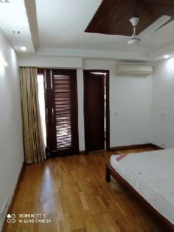 3 BHK 2000 Sq.ft. Builder Floor for Rent in Block A Defence Colony, Delhi