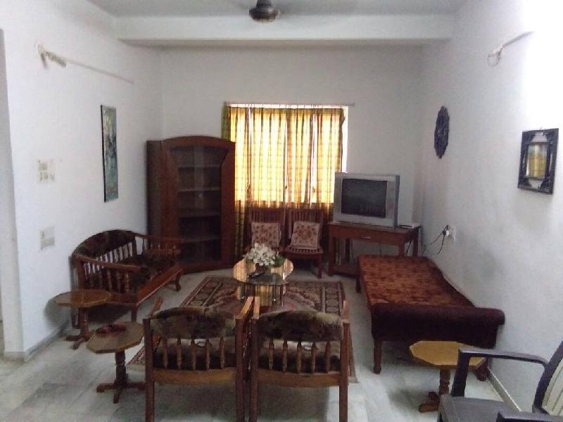 2 BHK Flats & Apartments for Rent in Vadodara - 1300 Sq. Feet