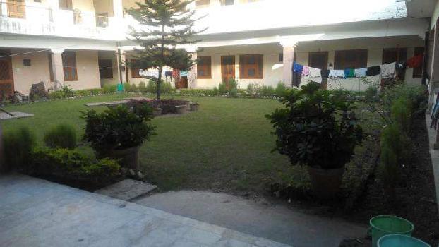 16000 Sq.ft. Guest House for Sale in Shantikunj, Haridwar