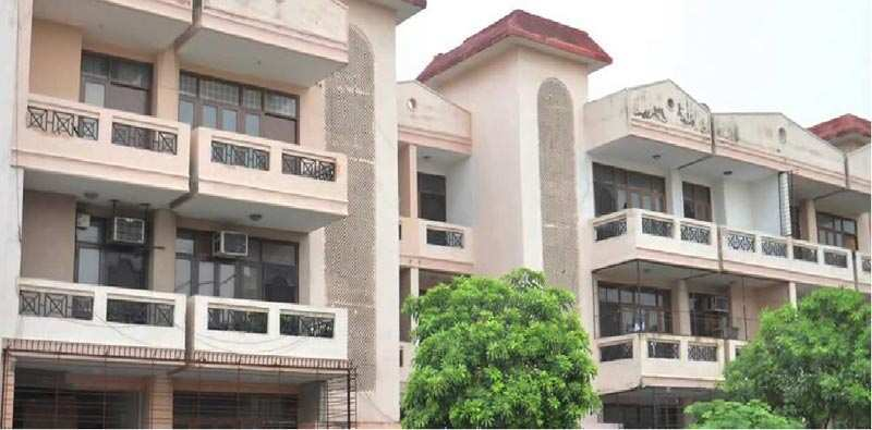 3 BHK Builder Floor for Rent in Sector 52, Gurgaon - 240 Sq. Yards