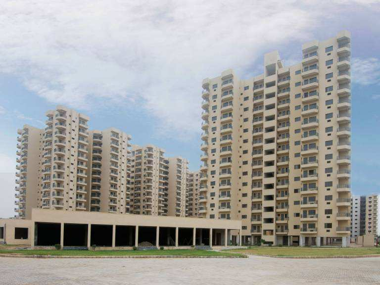 3 BHK Flats & Apartments for Sale in Gurgaon - 1456 Sq.ft.