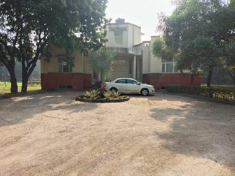 3 BHK 3 Acre Farm House for Sale in Bijwasan, Delhi