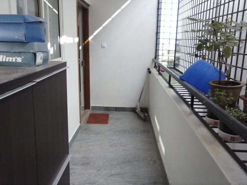 3 bhk flats apartments for sale in electronic city for Balcony safety grill designs