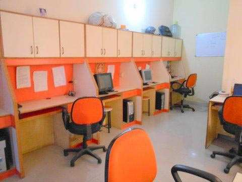 200 Sq. Feet Office Space for Sale in Hazratganj, Lucknow - 200 Sq.ft.