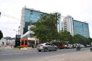 1000 Sq.ft. Office Space for Sale in Sector 135, Noida