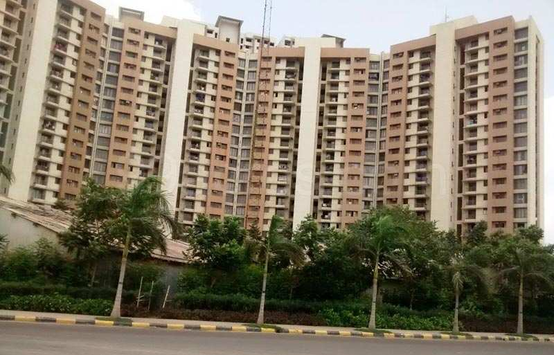 3 BHK Flats & Apartments for Sale in Kolshet Road, Thane - 1762 Sq. Feet