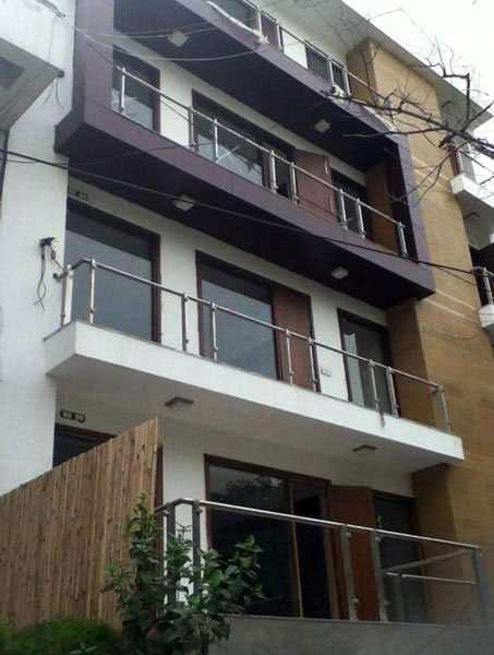 4 BHK Builder Floor for Sale in Safdarjung Enclave, Delhi - 500 Sq. Yards