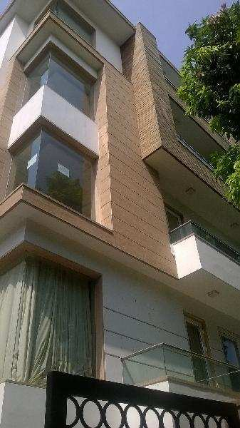 4 BHK Builder Floor for Sale in B Block, Vasant Vihar, Delhi - 400 Sq. Yards
