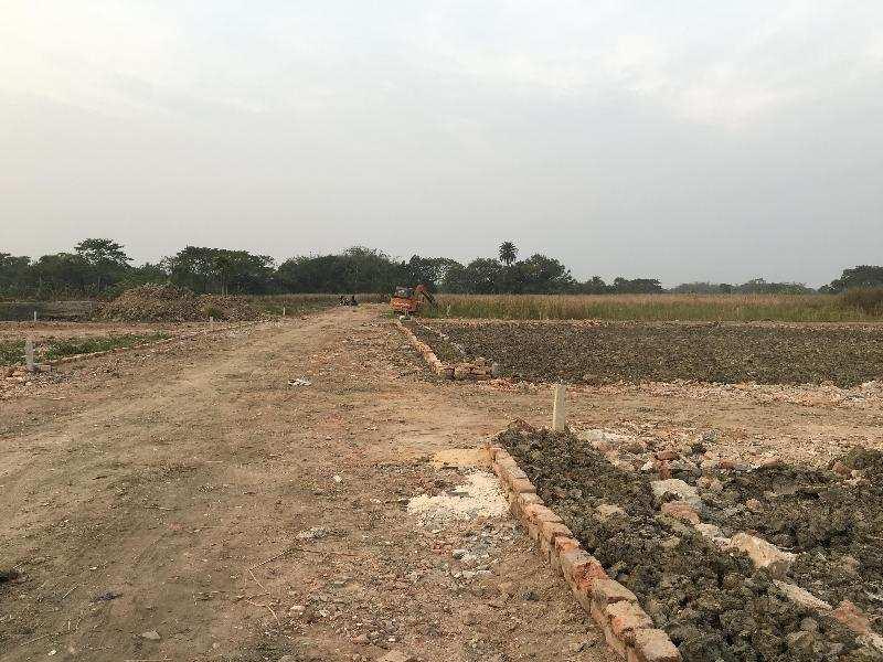 Residential Plot for Sale in Thakurpukur, Kolkata South - 720 Sq. Feet